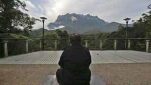 მალაიზიაში ტურისტებს თავიანთი სიშიშვლით «მიწისძვრის გამოწვევისთვის» ასამართლებენ
