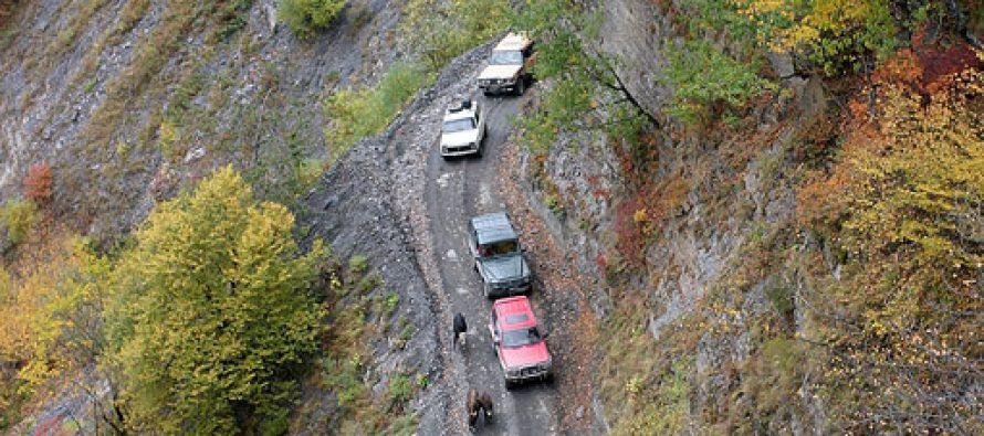 მთა-თუშეთისკენ მიმავალი საავტომობილო გზა ამ დრომდე გასაწმენდია