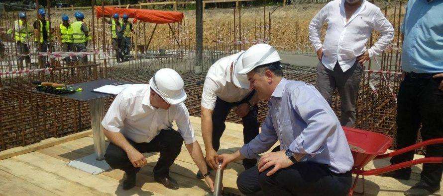 სოზარ სუბარმა ზუგდიდში დევნილთა ახალი საცხოვრებელი კორპუსების მშენებლობას ჩაუყარა საფუძველი