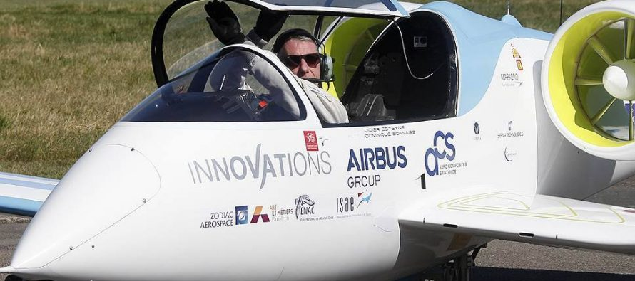 პირველი ელექტროთვითმფრინავის გადაფრენა