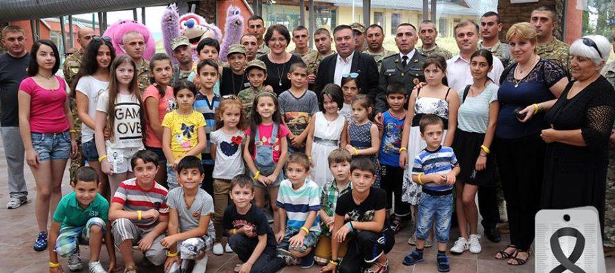 """აგვისტოს ომში დაღუპული სამხედროების ბავშვებს """"ჯინო ფერედაისში"""" უმასპინძლეს"""