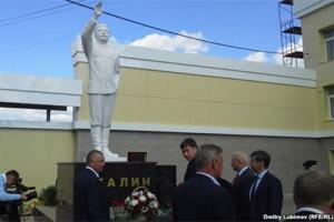 მარი ელში სტალინის ძეგლი გაიხსნა