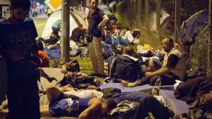 კრიზისი: ხორვატიამ სერბეთის გზა გადაკეტა