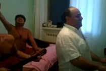 ქართველ ემიგრანტთა სიმღერა,რომელსაც ემოციების გარეშე ვერ უყურებთ  (ვიდეო)
