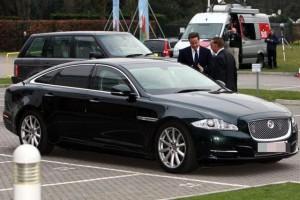 ინგლისის პრემიერი - დევიდ კემერონი Jaguar XJ
