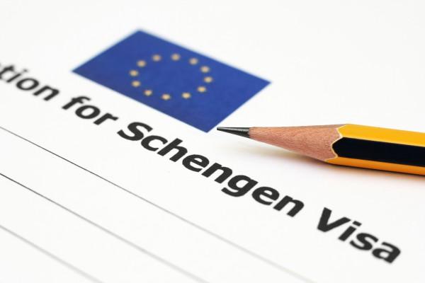 """ევროკავშირმა უნდა შექმნას """"მინი-შენგენი""""მიგრანტების პრობლემების გადასაწყვეტად"""
