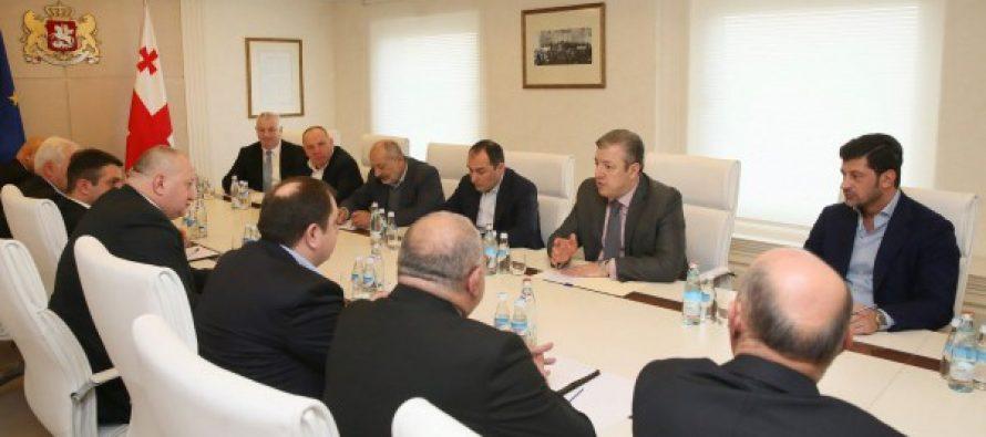 პრემიერ-მინისტრმა გუბერნატორებთან შეხვედრაზე რეგიონში არსებული პრობლემები განიხილა