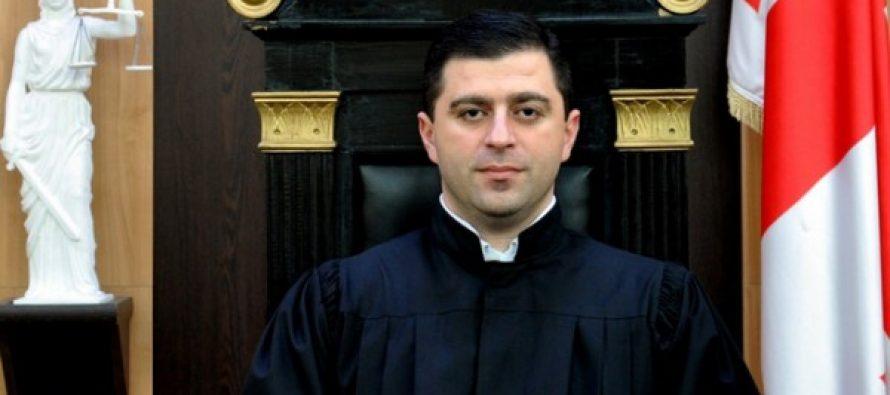 იუსტიციის საბჭოს წევრმა მამუკა ახვლედიანისთვის უფლებამოსილების შეწყვეტა მოითხოვა