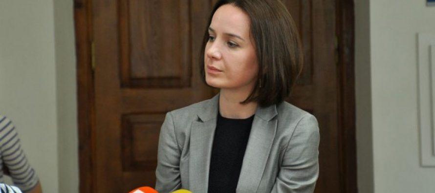 განათლების მინისტრი უკმაყოფილო სტუდენტებს პასუხობს