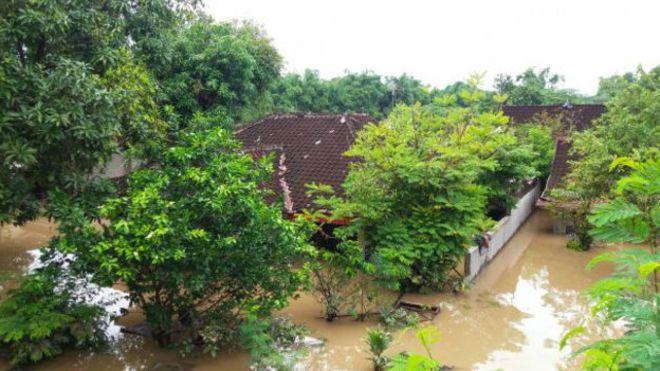 ინდონეზიაში წყალდიდობის და მეწყერის გამო 20-ზე მეტი ადამიანი დაიღუპა
