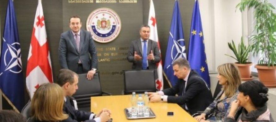 ვიქტორ დოლიძემ სახელმწიფო მინისტრის აპარატის თანამშრომლებთან გაცნობითი ხასიათის შეხვედრა გამართა