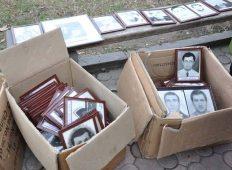 აფხაზეთის ომში დაღუპული გმირების სურათები საპატიო სტენდიდან ჩამოხსნეს