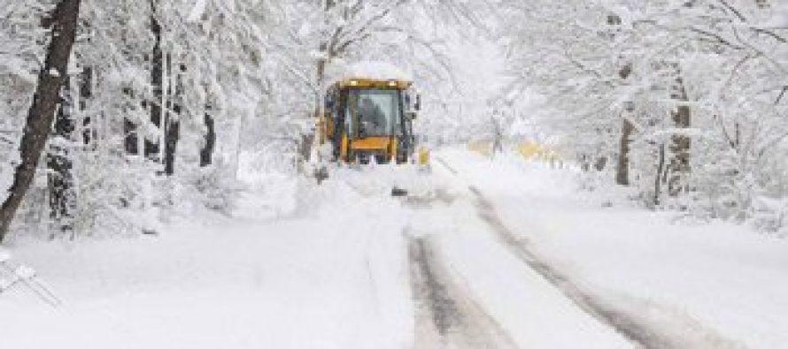 მუხურაში, თოვლში ის ტრაქტორი დაკარგეს, რომელსაც თოვლისგან გზა უნდა გაეწმინდა