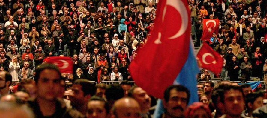 გერმანიის შს მინისტრი თურქი მინისტრების სააგიტაციო გამოსვლების წინააღმდეგ გამოდის
