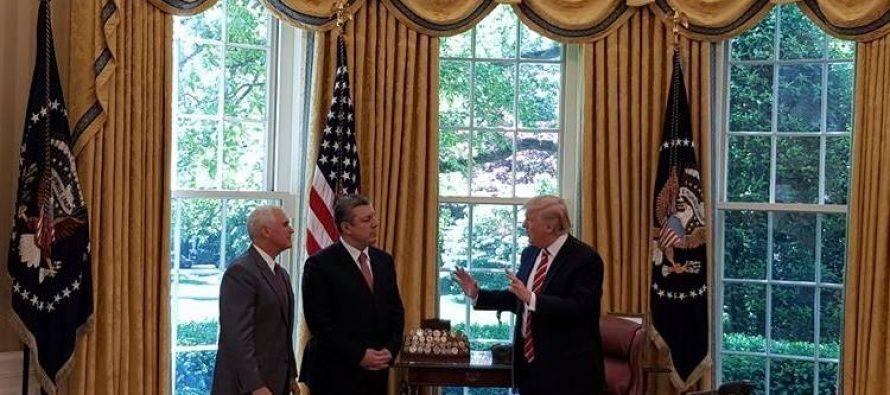 პრეზიდენტის დონალდ ტრამპის და საქართველოს პრემიერ-მინისტრ გიორგი კვირიკაშვილის შეხვედრა მიმდინარეობს