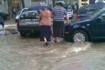 იმერეთის გუბერნატორის ადმინისტრაციის ინფორმაციით, ძლიერმა წვიმამ იმერეთის 12-ვე მუნიციპალიტეტში სერიოზული პრობლემები შექმნა