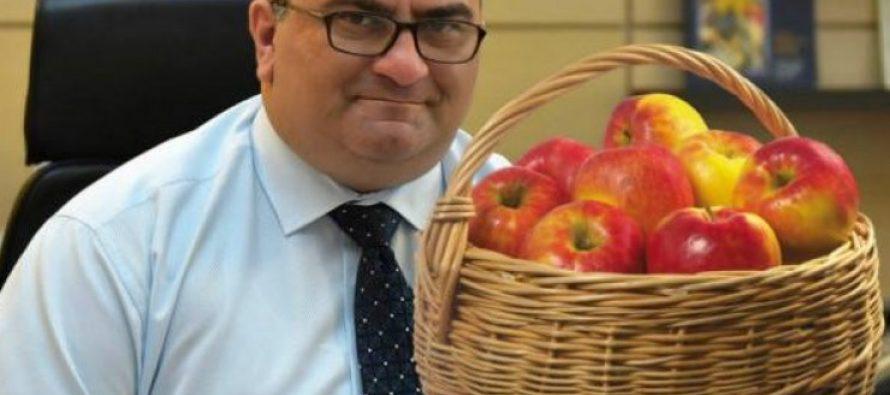 """""""სკოლებში ვაშლები აღარ დარიგდება""""- ალექსანდრე ჯეჯელავა"""