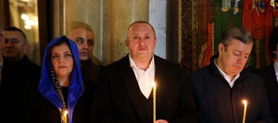 საქართველოს პრეზიდენტი შობის სადღესასწაულო ლიტურგიას სამების საკათედრო ტაძარში დაესწრო
