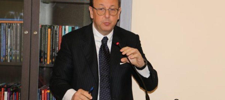 იტალიის ელჩიმა ანტონიო ენრიკო ბარტოლმა ტექნიკურ უნივერსიტეტში საჯარო ლექცია წაიკითხა