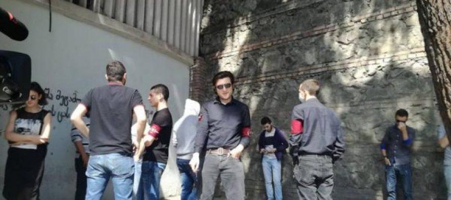 ფაშისტური მოძრაობის ასმეთაური და კიდევ ერთი პირი პოლიციამ წაიყვანა