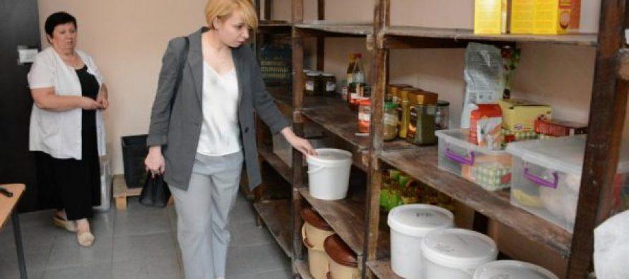 უსინათლო ბავშვთა პანსიონში, დღის განმავლობაში მიღებული საკვების რაოდენობა ძალიან მცირეა- ომბუდსმენი