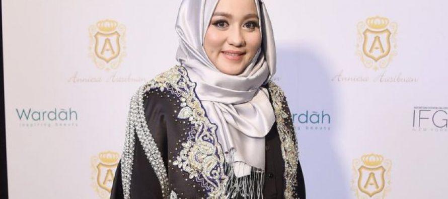ისლამური მოდის ინდონეზიელ დიზაინერს 18 წლით თავისუფლების აღკვეთა მიუსაჯეს კლიენტების მოტყუებისთვის