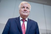 გერმანიის შს მინისტრი ლტოლვილებისთვის ფულადი დახმარების შეჩერებას აპირებს