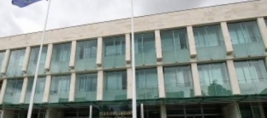სახელმწიფო უსაფრთხოების სამსახურის ანტიკორუფციული სააგენტოს თანამშრომლებმა სამი პირი დააკავეს