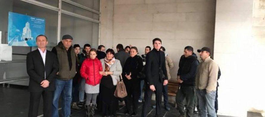 """ტყიბულსა და თერჯოლაში """"ევროპული საქართველოს"""" 17 წევრი """"ქართულ ოცნებას"""" შეუერთდა"""