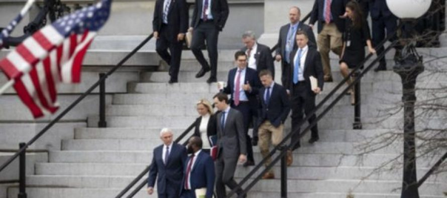 """თეთრი სახლისა და კონგრესის წარმომადგენლები """"შათდაუნის"""" დასასრულებლად მოლაპარაკებებს მართავენ"""