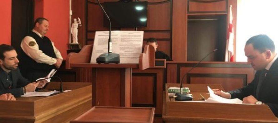 პოლიციელებისთვის სიტყვიერი შეურაცხყოფისა და კანონიერი მოთხოვნისადმი დაუმორჩილებლობისთვის სასამართლომ გიორგი ვაშაძე 3000 ლარით დააჯარიმა