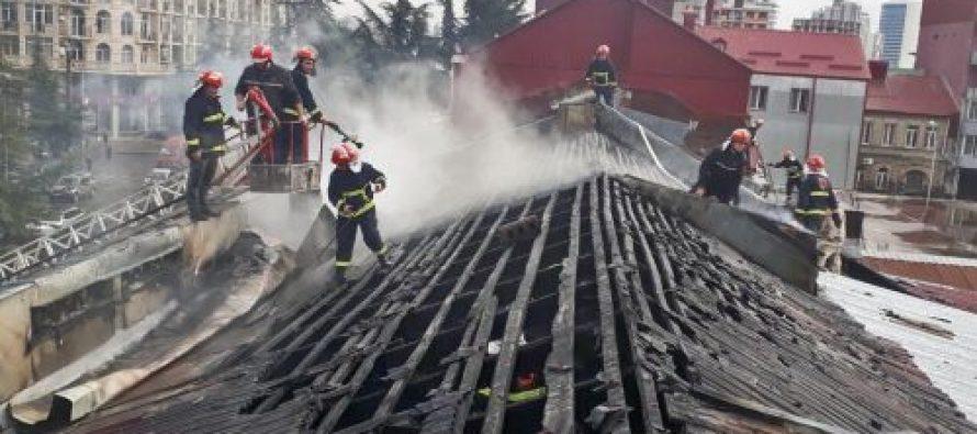 ხანძარი ბათუმი – ჭავჭავაძის ქუჩაზე ცეცხლი ორსართულიან შენობაში გაჩნდა