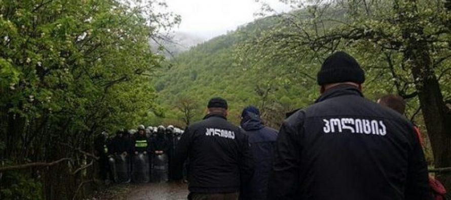 პოლიციელებმა პანკისის ხეობაში ცრემლსადენი გაზი და რეზინის ტყვიები გამოიყენეს, დაშავებულია რამდენიმე ადამიანი
