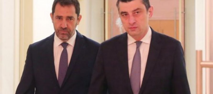 საქართველოში საფრანგეთის შინაგან საქმეთა მინისტრი ჩამოვიდა