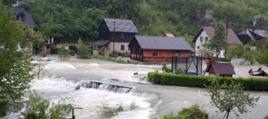 ბოსნიასა და ხორვატიაში წყალდიდობაა (ფოტო)