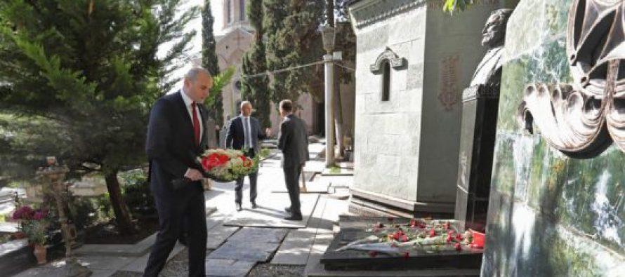 პრემიერ-მინისტრმა მერაბ კოსტავას ხსოვნას პატივი მიაგო