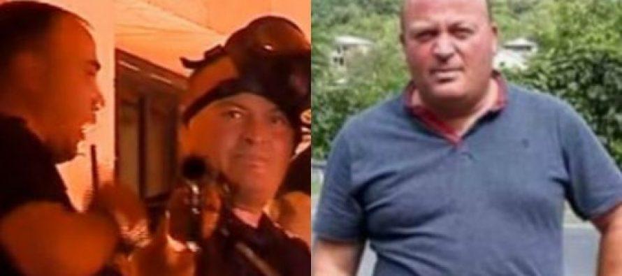 (Video) ვინ არის სპეცრაზმელი, რომელიც გუშინ აქციაზე იცინოდა და ჟურნალისტებს მიზანში იღებდა