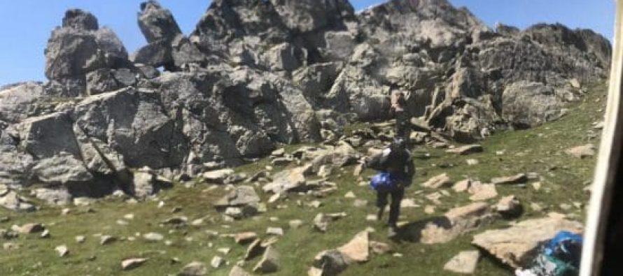 მაშველებმა 3200 მეტრის სიმაღლეზე, ყაზბეგში მთის წვერზე ჩარჩენილი საქართველოს ორი მოქალაქე გადაარჩინეს