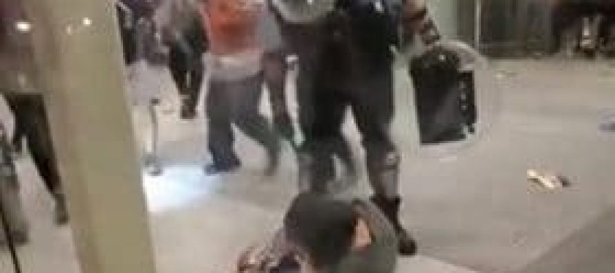 ჰონგ-კონგში საპროტესტო აქციები არ წყდება, პოლიციამ დემონსტრანტების წინააღმდეგ ძალა კიდევ ერთხელ გამოიყენა