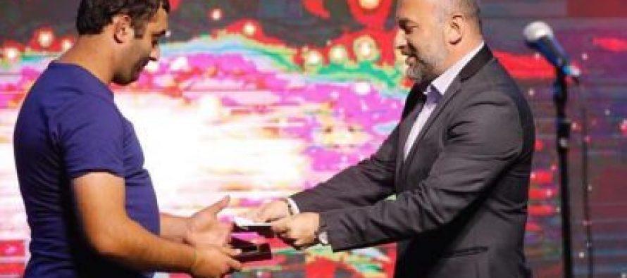 იმერეთში სახელმწიფო რწმუნებულმა ჭიათურელ მაღაროელებს პროფესიული დღე მიულოცა და საჩუქრები გადასცა