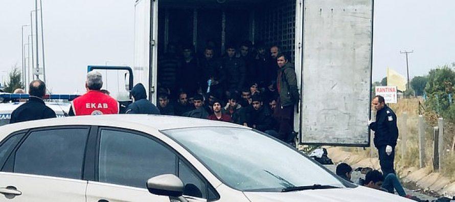 საბერძნეთში სატვირთო ავტომობილის ქართველი მძღოლი დააკავეს, რომელსაც 41 არალეგალი მიგრანტი გადაჰყავდა