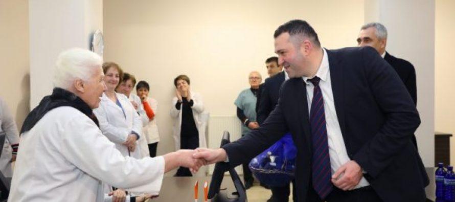შინაგან საქმეთა მინისტრის მოადგილემ სამინისტროს ჯანმრთელობის დაცვის სამსახურის თანამშრომლებს მადლობის სიგელები გადასცა
