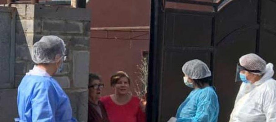 ბოლნისის მუნიციპალიტეტში მედიკოსებმა კარდაკარის პრინციპით მოსახლეობის სამედიცინო შემოწმება დაიწყეს