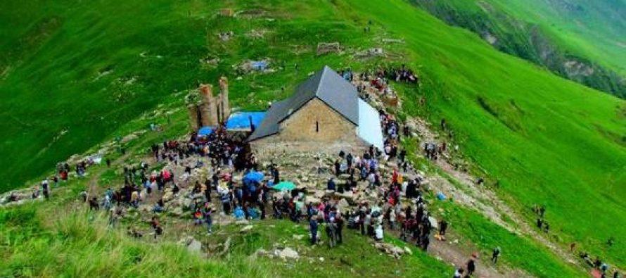 ლომისობის დღესასწაულზე ტაძრის ეზოში მამაკაცი გარდაიცვალა