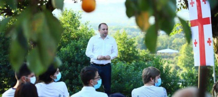 """,,ქართული ოცნების"""" ლიდერები ირაკლი ჩიქოვანს აფასებენ – ის პროგრესული, კეთილსინდისიერი და შრომისმოყვარე ადამიანია"""