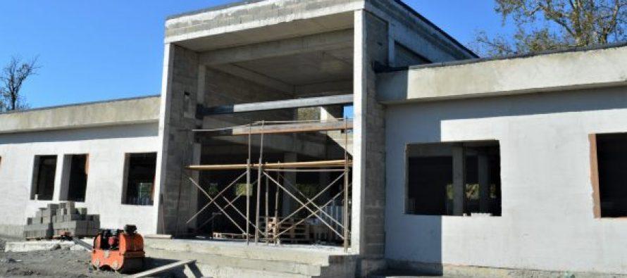 აბაშის მუნიციპალიტეტის სოფელ მაცხოვრისკარში  ახალი  სკოლის მშენებლობა წლის ბოლომდე დასრულდება
